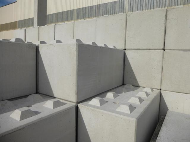 bloc b ton modulaire maitrise d 39 oeuvre civilmania. Black Bedroom Furniture Sets. Home Design Ideas